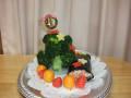 クリスマス会: 手作り「ブロッコリーのクリスマスツリー」をみんなでいただきます。