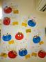 鬼の福笑い: 赤鬼、青鬼、そしてトレードマークの金のパンツ!!怖いけど優しい鬼たちで園内はいっぱいです。